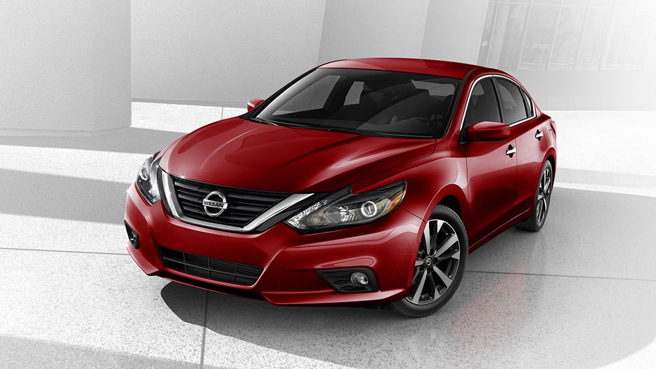 2016 Nissan Altima Sporty Front