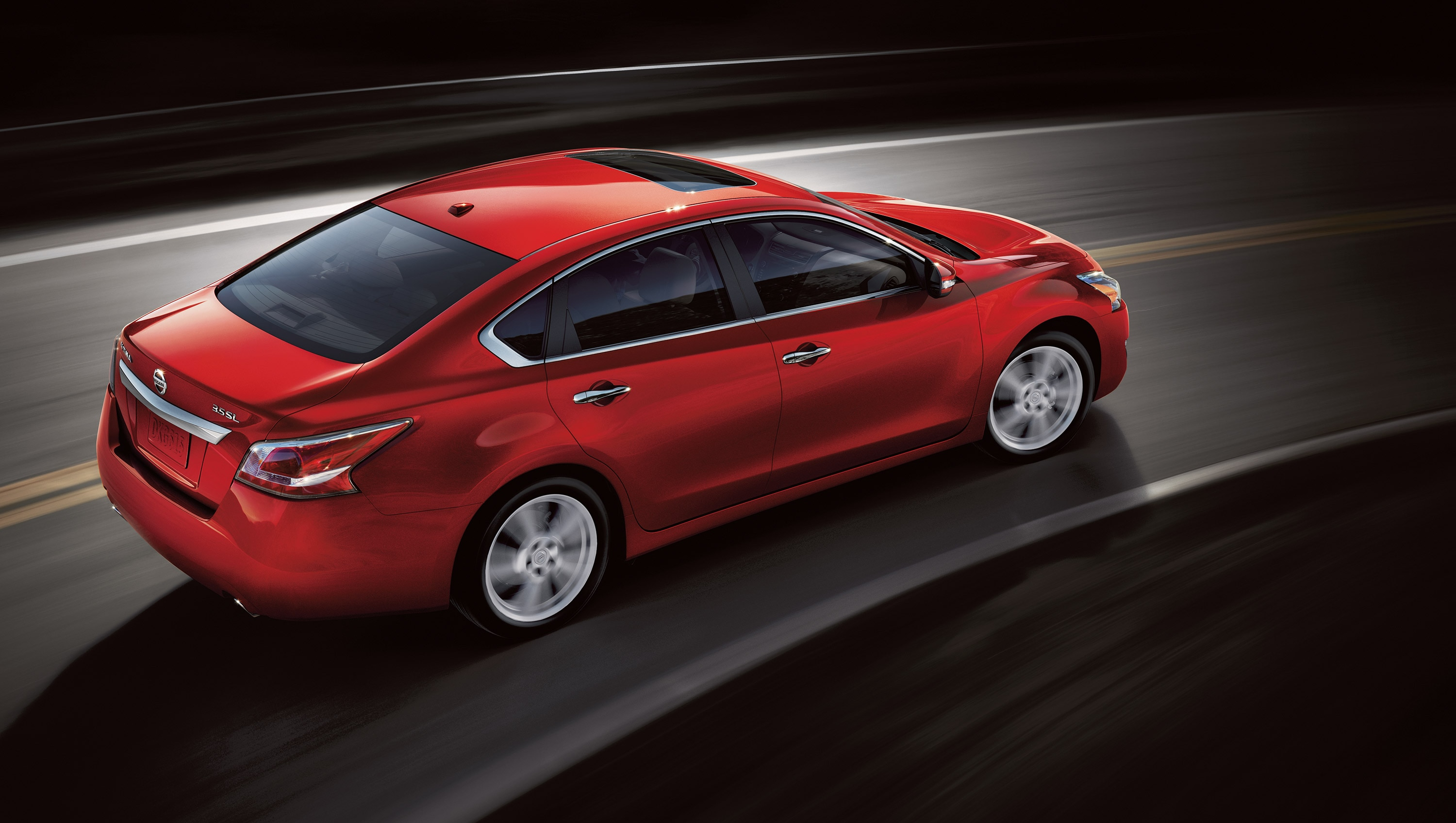 2015 Nissan Altima in Red in Motion