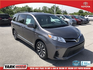 New 2020 Toyota Sienna LE Van in Maumee
