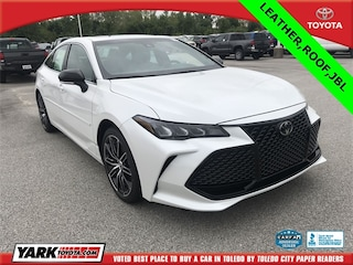 New 2019 Toyota Avalon XSE Sedan in Maumee