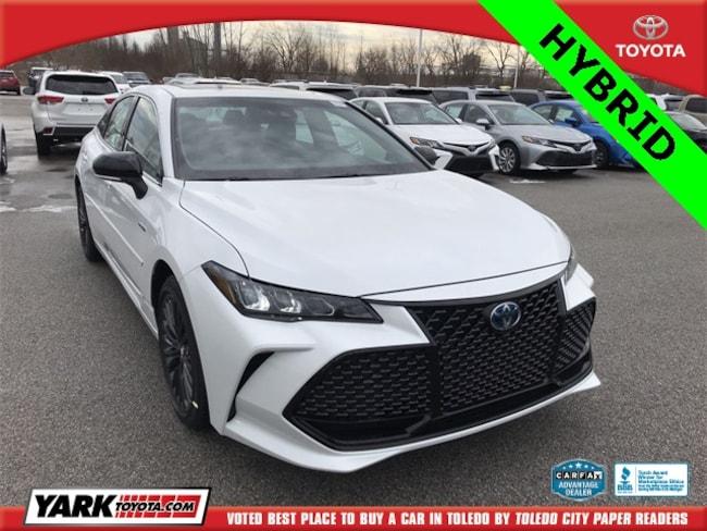 New 2019 Toyota Avalon Hybrid XSE Sedan in Maumee, OH