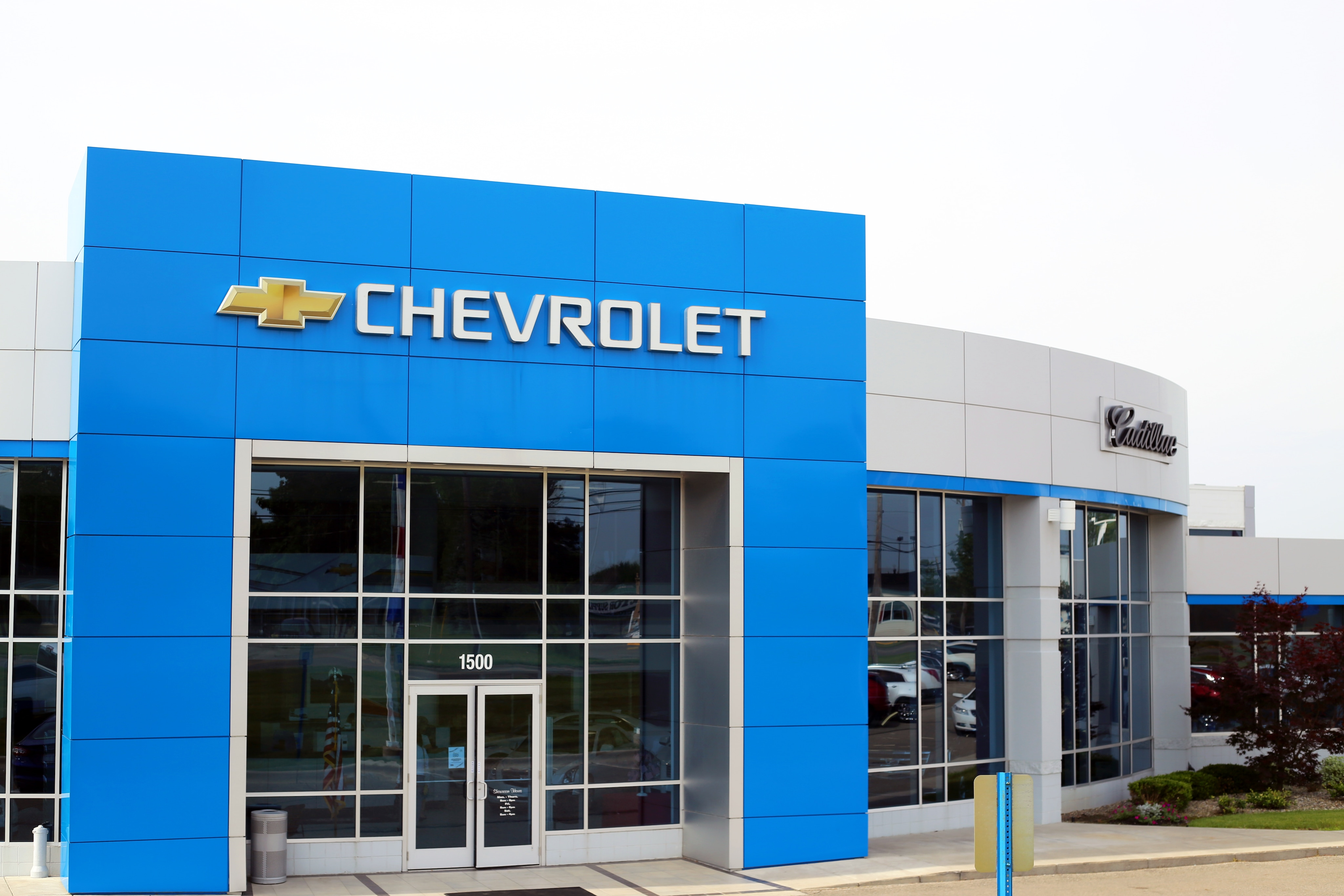 cadillac dealer lansing owosso mi young chevrolet cadillac buick gmc young chevrolet cadillac buick gmc