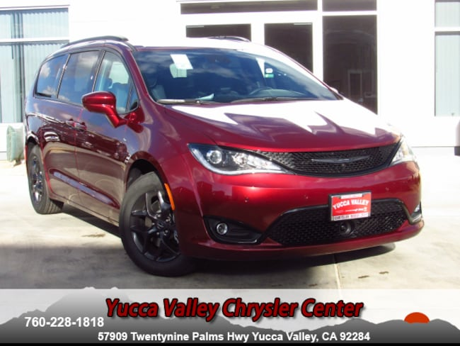 New 2019 Chrysler Pacifica TOURING L PLUS Passenger Van in Yucca Valley