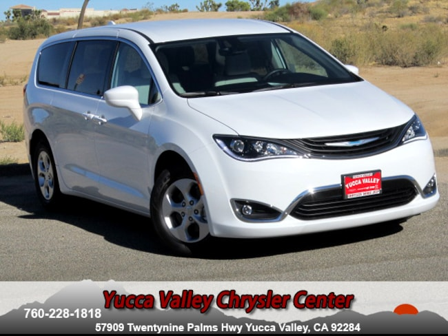 New 2018 Chrysler Pacifica Hybrid TOURING PLUS Passenger Van in Yucca Valley