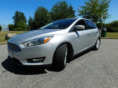 2016 Ford Focus Titanium w/ Nav, Pano Roof, Leather Hatchback