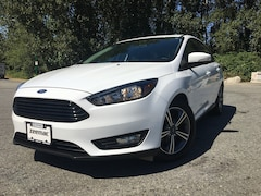 2017 Ford Focus SE Package  Sedan
