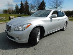 2011 INFINITI M56x Premium AWD, LOADED Sedan