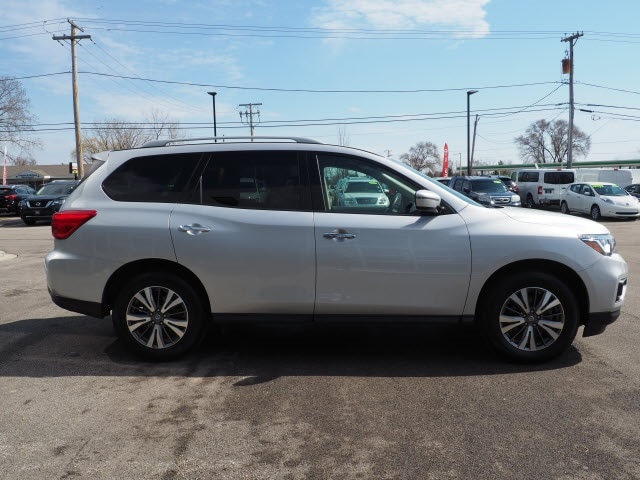 Used 2019 Nissan Pathfinder For Sale at Zeigler Maserati of
