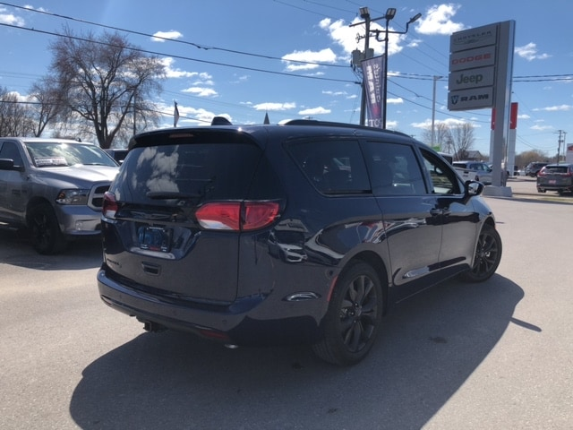 new 2020 Chrysler Pacifica car, priced at $53,700
