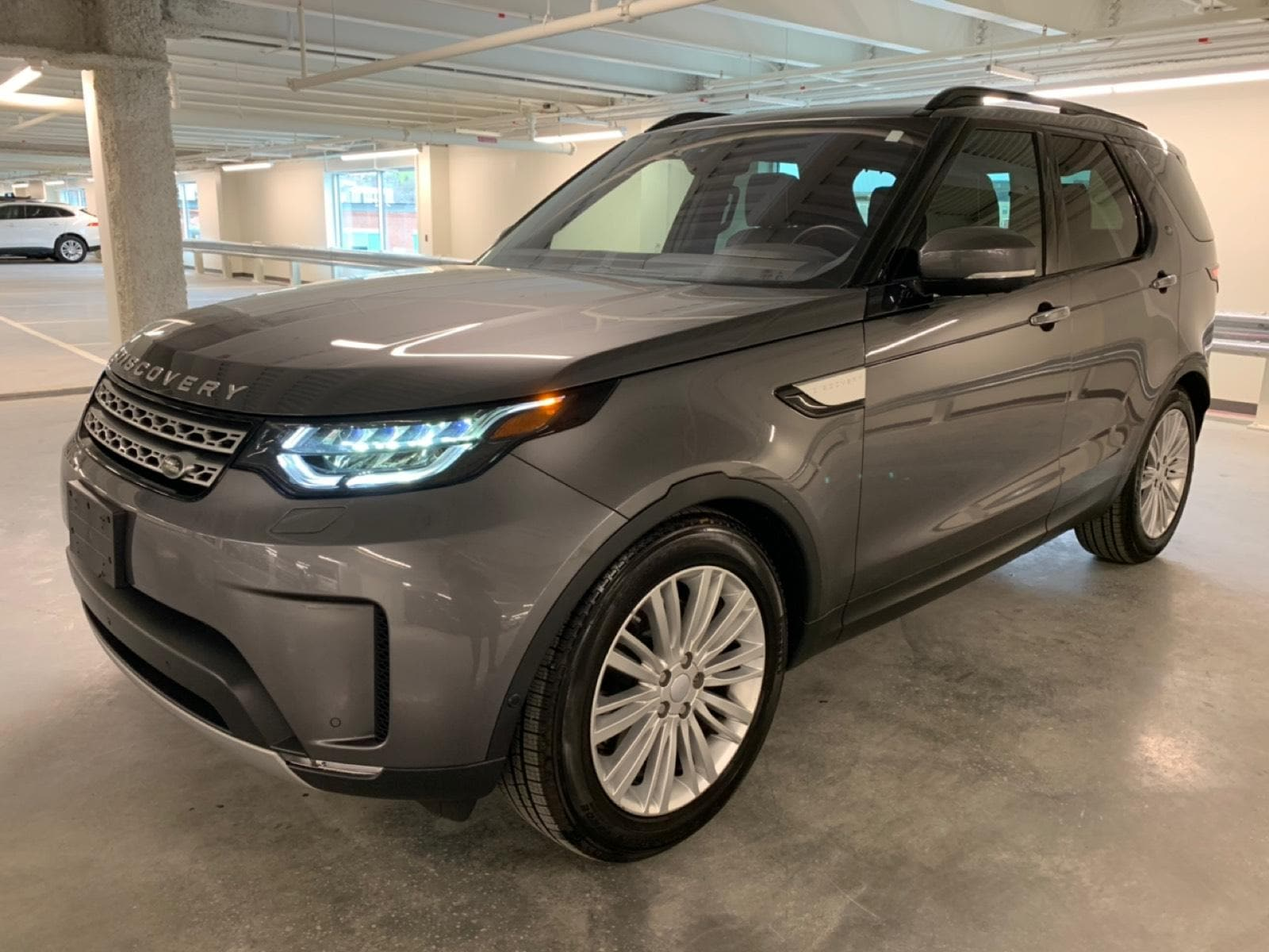 used 2017 Land Rover Discovery car, priced at $42,988