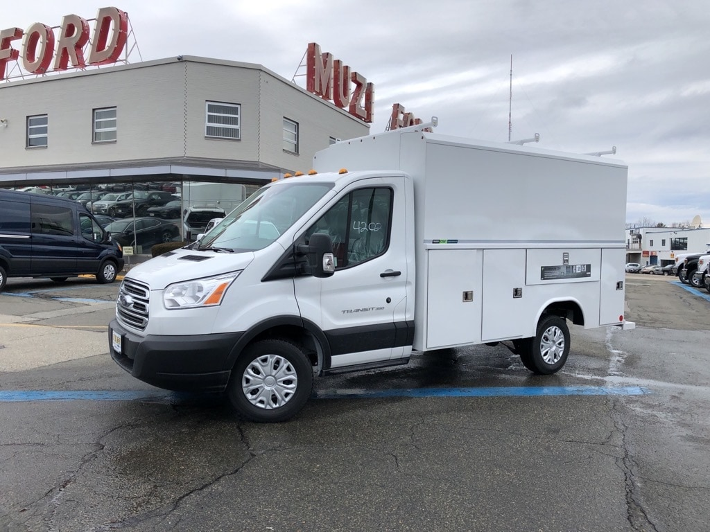 new 2019 Ford Transit-350 Cab Chassis car